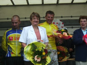 I maybe in yellow but not quite the flower girls of the tour de france!